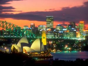 La ciudad de Sídney iluminada en la noche