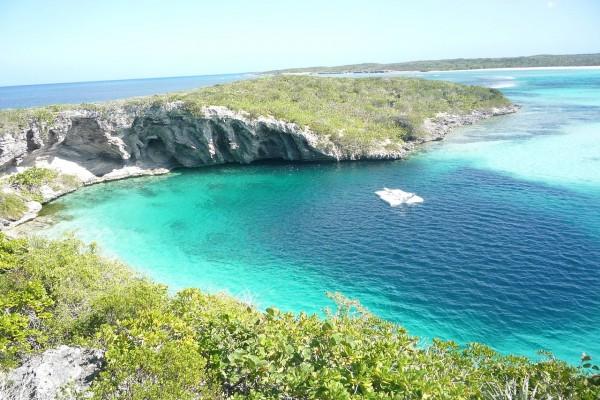 Agujero azul de Dean, agujero azul más profundo del mundo en Long Island, Bahamas