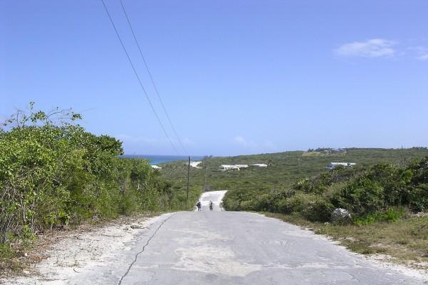 Camino en Long Island, Las Bahamas