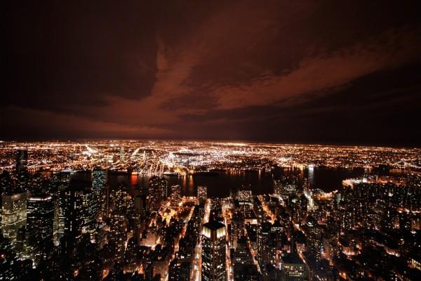 Una ciudad completamente iluminada