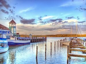 Postal: Barcos pequeños en el embarcadero