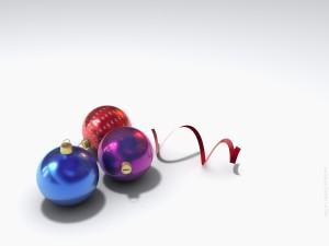 Tres bolas pequeñas de Navidad