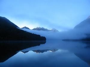 Postal: Niebla en el lago