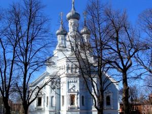 Postal: Bonito edificio religioso de color blanco