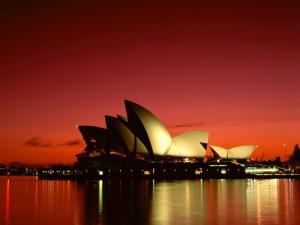 Postal: Cielo rojo al anochecer en Sídney
