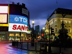 Noche en Piccadilly Circus, Londres