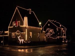 El exterior de las casas con decoración de Navidad