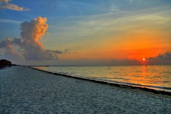 El atardecer en la playa