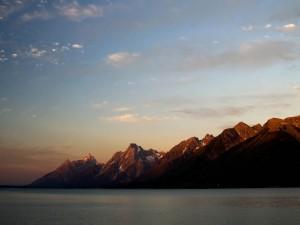 Postal: Las cumbres iluminadas por el sol