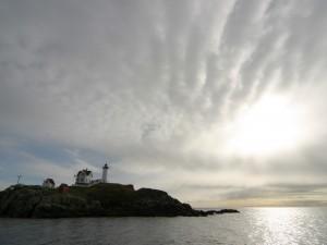 Postal: Faro en la roca