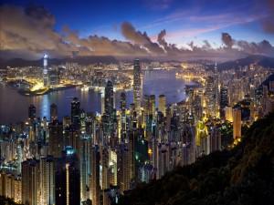 La ciudad de Hong Kong al atardecer