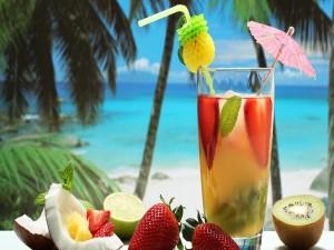 Cóctel con varias frutas