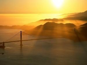 El puente al atardecer