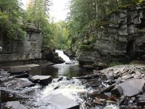 Cascadas en la península superior de Michigan