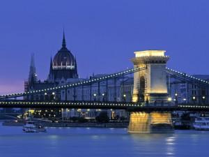 Noche en el Puente de las Cadenas, Budapest