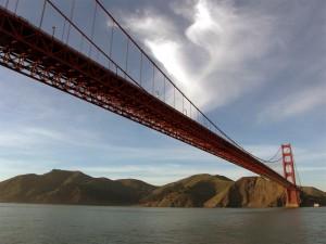 Postal: El Golden Gate visto desde el agua