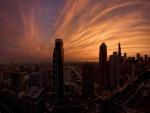 Bonito cielo sobre la ciudad