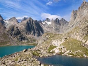 Postal: Dos lagos en las montañas