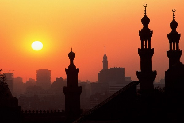 El Cairo y su cielo anaranjado
