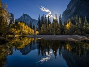 Postal: Día soleado en el Parque Nacional de Yosemite