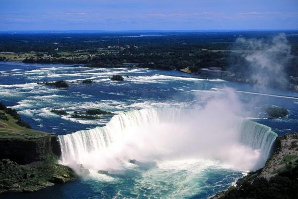 Vista aérea de las cataratas del Niágara, Ontario