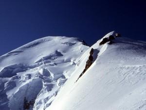 Postal: Refugio Vallot y la cresta de la cumbre del Mont Blanc