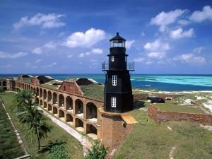 Postal: Faro en el Fuerte Jefferson, Florida