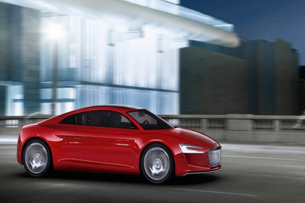 Audi e-tron en la carretera