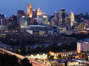 Postal: Cincinnati al anochecer