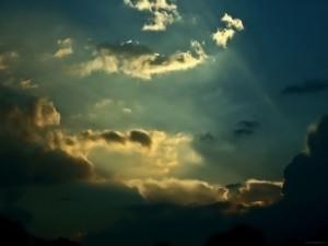 Luz y sombra en el cielo