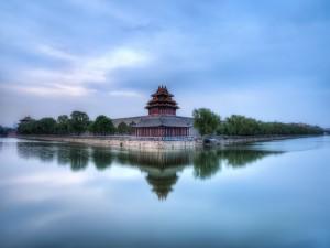 Una de las cuatro torres de La Ciudad Prohibida, Pekín
