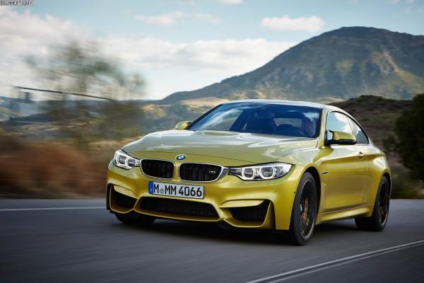BMW M4 en la carretera