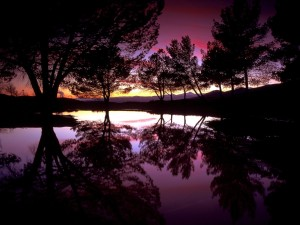 Castaic Lake al atardecer, Santa Clarita, California