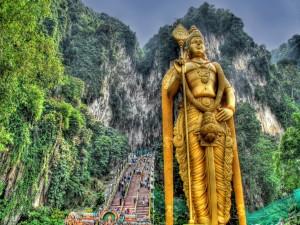 Estatua de Lord Murugan en las Cuevas de Batu, Malasia