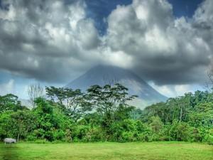 Nubes sobre el volcán
