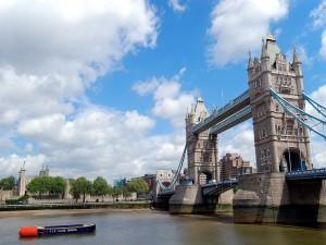 Postal: Puente de la Torre sobre el río Támesis, Londres