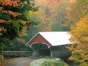 Lluvia sobre el puente cubierto