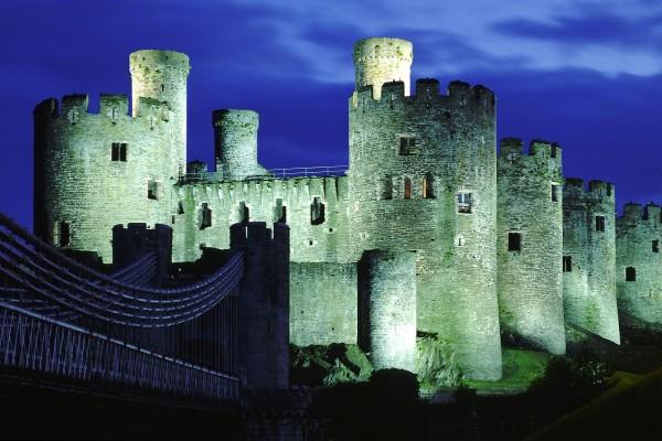 Noche en el Castillo de Conwy, Gales