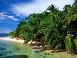Postal: Barca en la playa