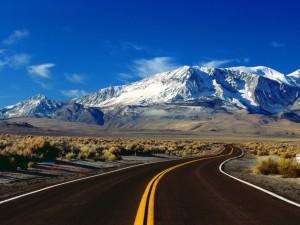 Postal: Carretera hacia la montaña nevada