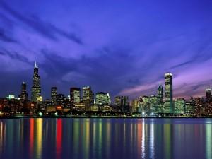Postal: Cielo azul al anochecer en la ciudad