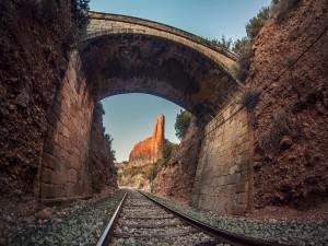 Postal: Puente sobre la vía (Riglos, España)