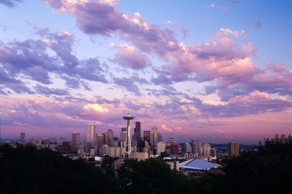 Atardecer en el centro de Seattle, Washington
