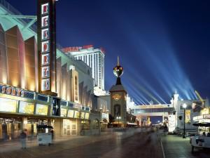 Postal: Noche en el paseo marítimo de Atlantic City