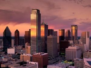 Postal: Anochece en Dallas