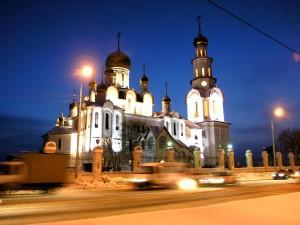 Fría noche en el edificio religioso