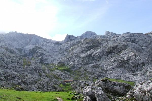 Refugio de alta montaña Vegarredonda, Picos de Europa (Asturias)
