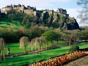 Castillo de Edimburgo visto desde el parque