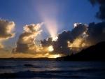 Oscuridad, nubes en el cielo