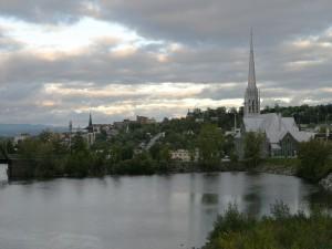 Postal: Iglesia junto al lago